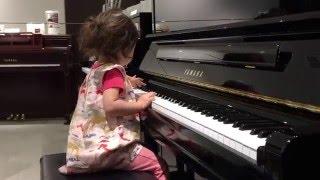 カワイ音楽教室の ロビーにあったピアノを見た娘がやりたいと言い出し ...