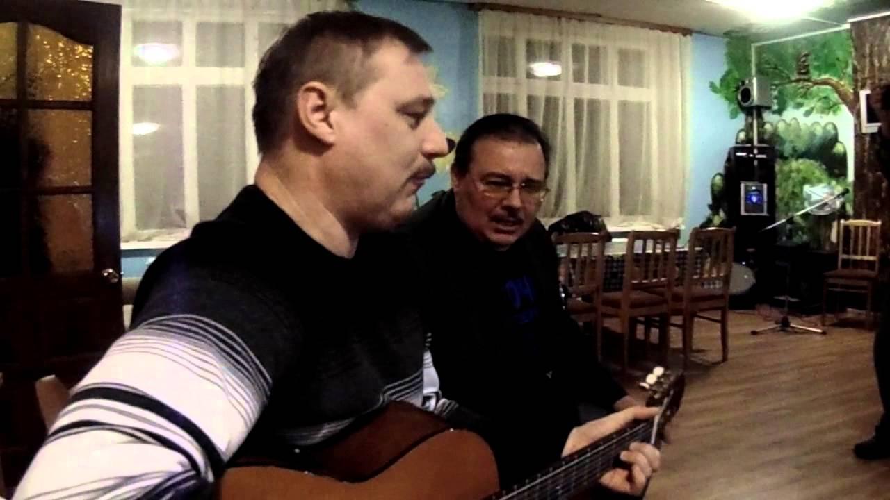 muzhiki-s-babami-v-derevenskoy-bane-domashnee-video-zheni-so-straponom