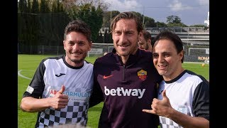 Download Video FRANCESCO TOTTI in campo | AS Roma Legends vs Nazionale Piloti | FORMULA E MP3 3GP MP4