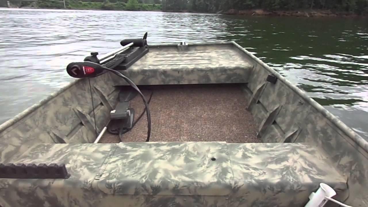 Flat bottom boat accessories