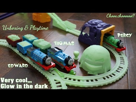 Thomas & Friends Toys: Glow In The Dark Thomas And Edward Trackmaster Trains Unboxing & Playtime