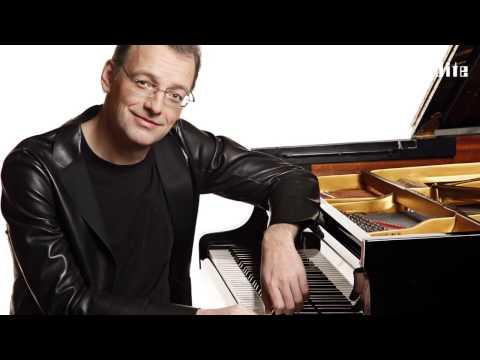 American Recital    Ulrich Roman Murtfeld, piano