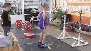 Фёдоров Кирилл, 9 лет, собст  вес 26 кг Приседания 13 кг Новичок