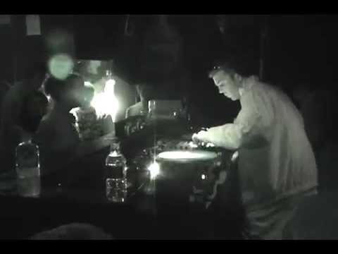 Inna Riddim ft. Felix (Jetstar, UK) - Live Footage 20/8/04
