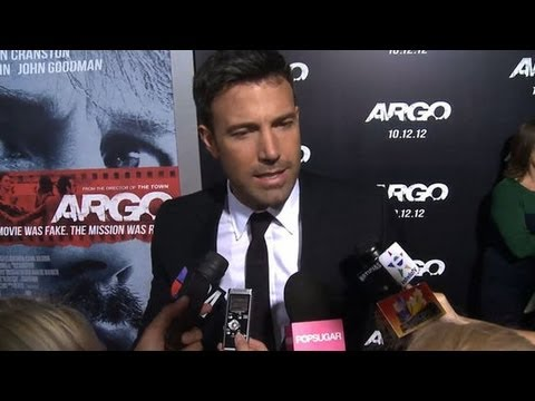 Ben Affleck Interview at Argo Premiere - Ben Speaks Spanish!