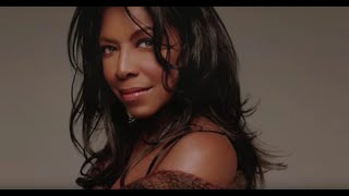 Watch Natalie Cole Heres That Rainy Day video