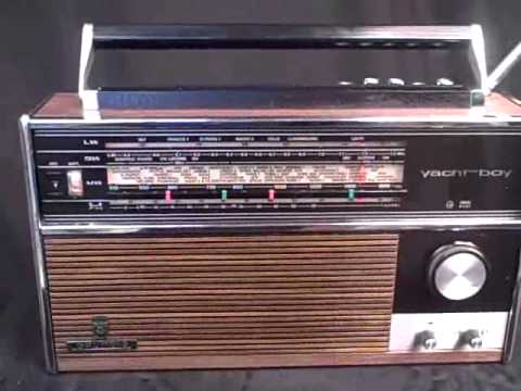 GRUNDIG YACHT BOY 210 WOOD
