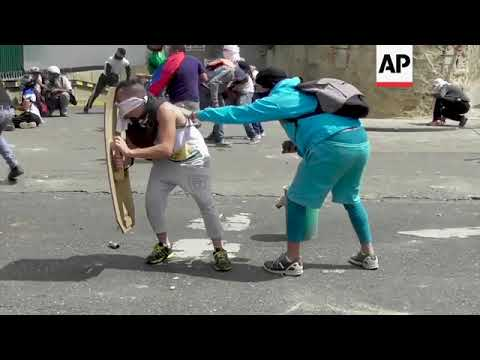 Clashes Flare After Venezuela Opposition Leader Calls for Military Uprising