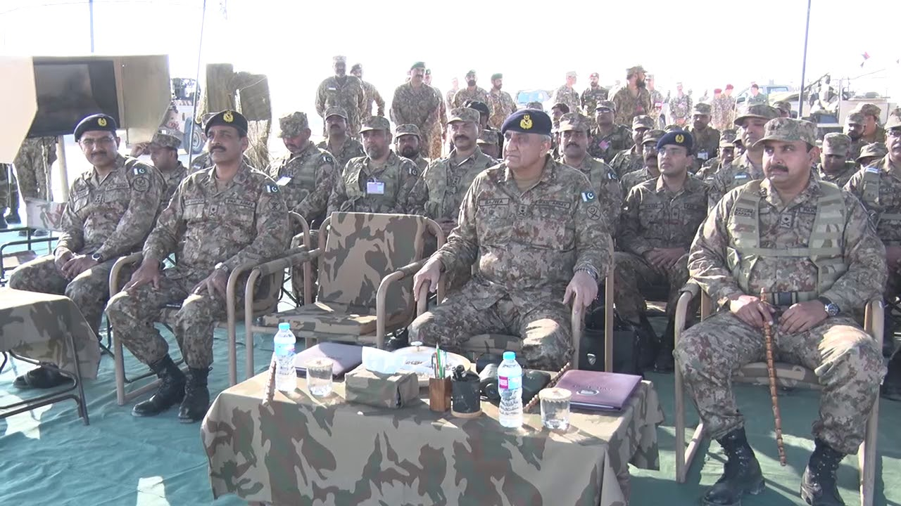 COAS visited Bahawalpur to witness winter collective training exercise of mechanised formation