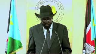 WorldLeadersTV: SOUTH SUDAN: PRES. SALVA KIIR HELPS FLOOD VICITMS with FOOD PROVISIONS