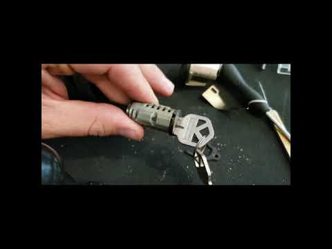 Re key a SmartKey lock with no key's Kwikset Smart Key reset cradletool review, how to use
