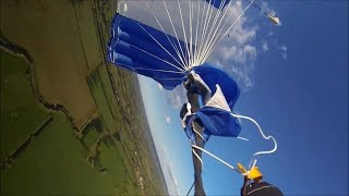 Skydiver's Parachute Gets Tangled At 850ft
