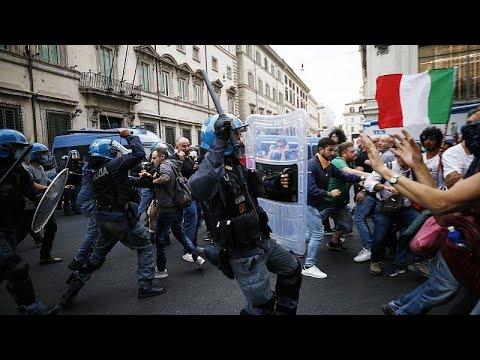 الشرطة الإيطالية تعتقل متظاهرين من اليمين المتطرف بعد احتجاجات عنيفة ضد التصريح الصحي…  - 18:53-2021 / 10 / 10