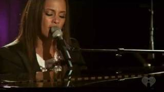 "Alicia Keys ""Empire State of  Mind"" (Without Jay-Z)"