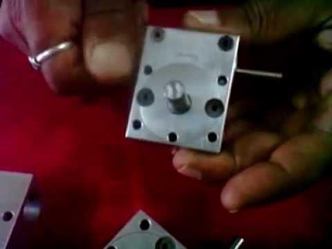 Small Gear Box 1 in 1 ratio .