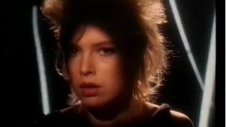 Watch Kim Wilde Dancing In The Dark video