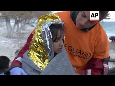Dozens of migrants arrive on Lesbos