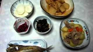 肉じゃが。大根と烏賊揚げの煮物。鯖の開き。松前漬。大根の千枚漬け。...