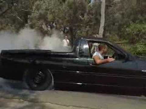 vs ss ute burnout youtube rh youtube com Holden Commodore Holden Coupe 60