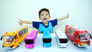 Learn Colors with Wheels On The Bus Song - Xavi ABCKids