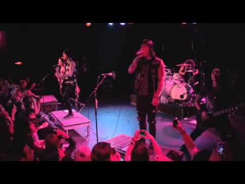 текст escape the fate live. Песня Live Fast, Die Beautiful (Live at the Roxy) - Escape the Fate скачать mp3 и слушать онлайн