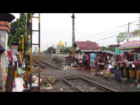 TANPA AMPUN!!, Kereta Bima Ngebut Buanter di Pasar Waru