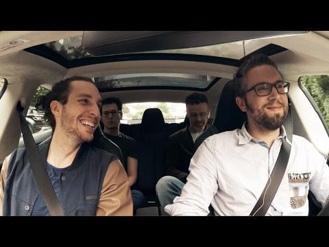 Tesla-Carpool mit Laurent Decrue von MOVU | Wortspiel.TV, Folge 1