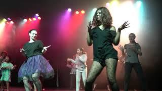 Thriller - Moonlight Escola de Música & Dança