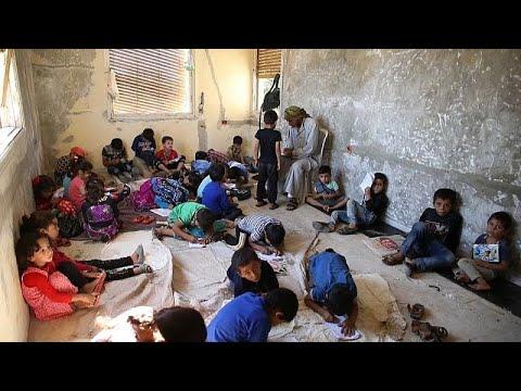 شاهد: فيلا تتحول إلى مدرسة بدون مقاعد لتعليم أطفال سوريا…  - نشر قبل 2 ساعة