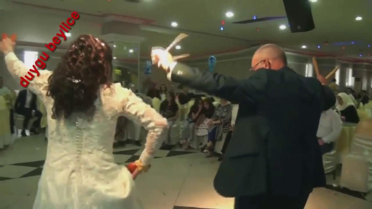 Düğünde Baba Kızın Mükemmel Oyunu