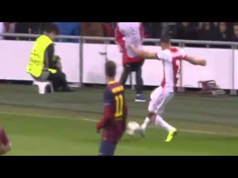 Thulani Serero Goal - Ajax vs Barcelona 1-0 - 26/11/2013