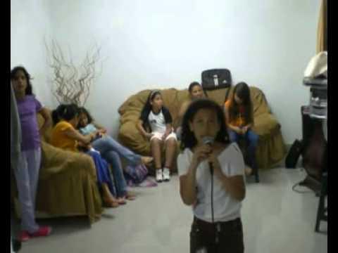 Ayudala por albani Garcia (karaoke)