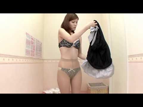 женщины меряют чулки видео-бо3