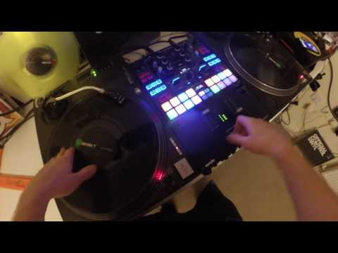 Flash mash - Making a beat with the DJM S9's echo effect