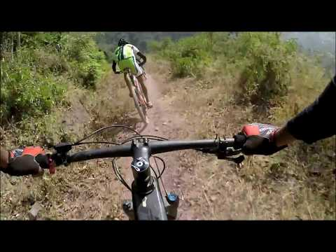 Rafal chased by Lefty and Lector | Kasauli - Parwanoo trail