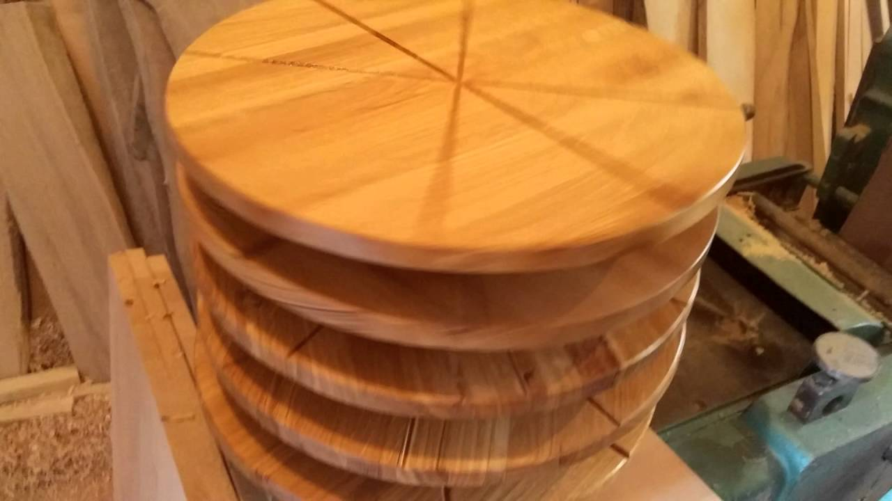 & Rotating serving wooden pizza plate- Drvenac - YouTube