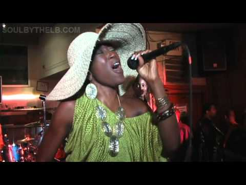 Can A Sista Rock A Mic Featuring Yahzarah (OLD FOOTAGE)