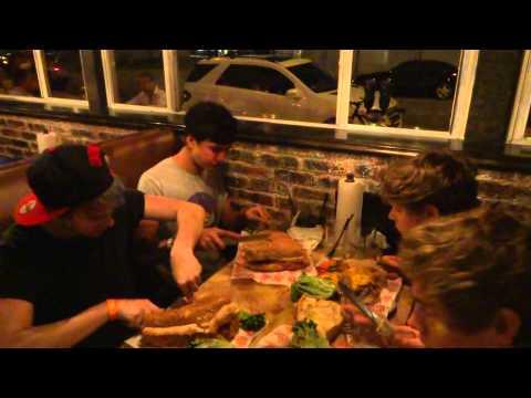 5SOS VS. FOOD - Round 1 (Miami)