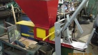 Станок для тротуарной плитки,методом прессования.(Станок изготовлен чисто для пробы,изготовления брусчатки,что получилось будет ясно на следующий год,если..., 2013-06-29T00:23:34.000Z)