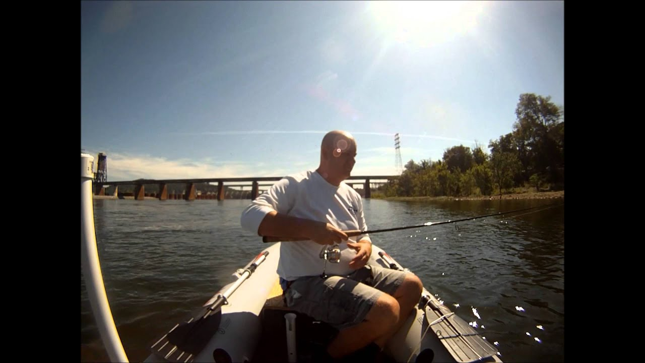 Chickamauga dam in the super raft youtube for Chickamauga fishing report