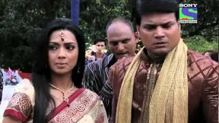 Video CID - Epsiode 676 - Daya Ki Dulhan Ka Raaz download MP3, 3GP, MP4, WEBM, AVI, FLV Mei 2018