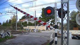 Spoorwegovergang Bari Torre a Mare (I) // Railroad crossing // Passaggio a livello