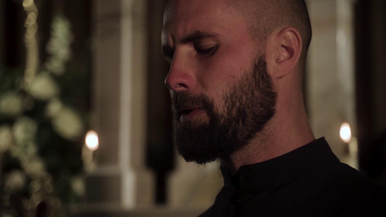 Impressionante 'Salve Regina' de um grupo novo de música sacra
