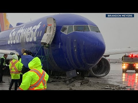 Bootleg Kev & DJ Hed - Southwest Flight Skids of Runway in Burbank Airport
