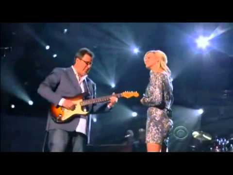 "Vince Gill & Carrie Underwood - How Great Thou Art .. at the ACM ""Girls Night Out"" Awards"