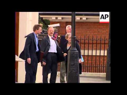 UK: LONDON: US SECRETARY OF STATE ALBRIGHT MEETS ROBIN COOK