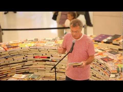 Pedro Bial interpretando alguns poemas