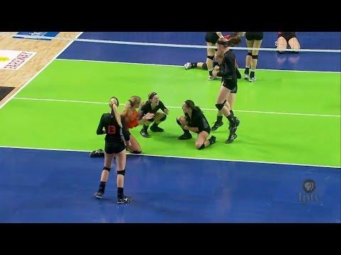 (4A) 2015 IGHSAU Iowa Farm Bureau Girls State Volleyball Championships