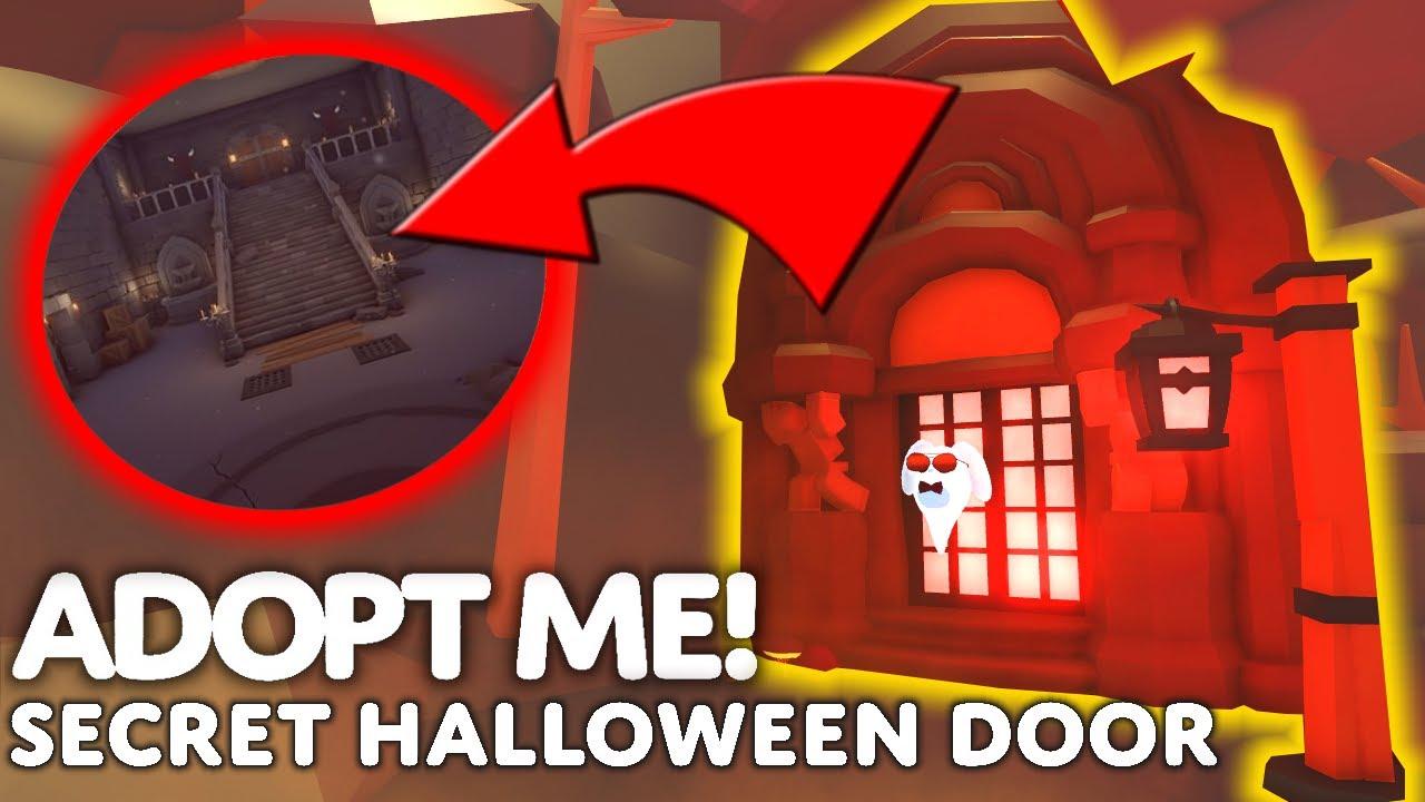 🎃 What's Inside The SECRET Halloween Door? (Adopt Me Halloween Update 2021)