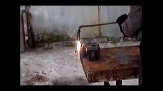 Терминатор -220 квт- резка чугуна(Испытания резака сверхзвукового от 13.11.12. Желтые Воды. Получили очень хорошие результаты. На этом видео..., 2012-11-13T16:27:41.000Z)